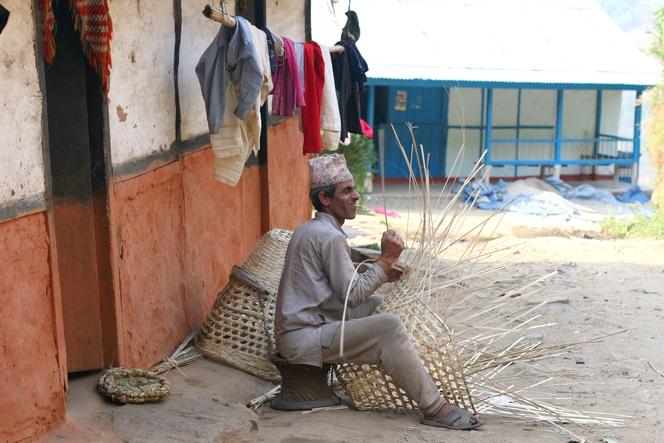 Basket made for harvesting tea