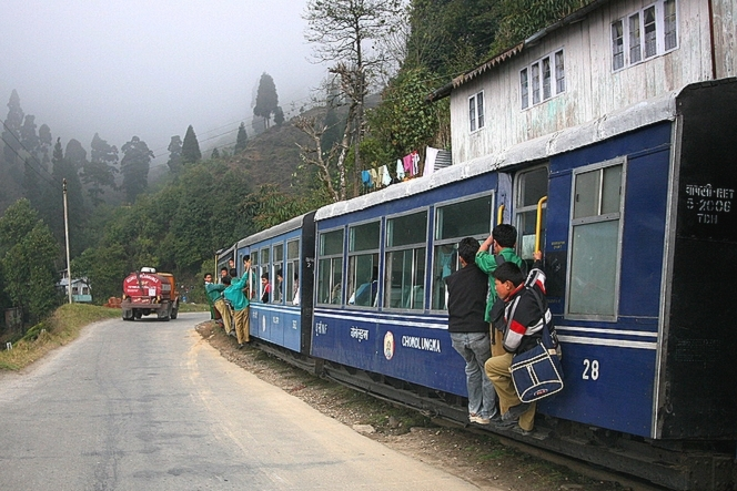 On the way to school in Kurseong