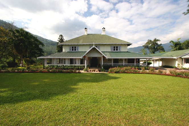 In Tumsong Tea Estate : a wonderful bungalow