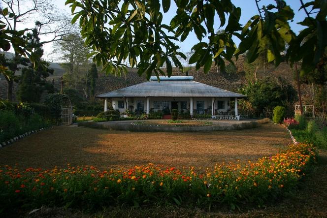 Tea grower's bungalow in Teesta Valley