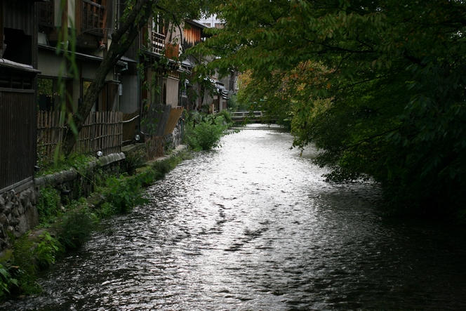Peaceful Kyoto scene in homage to the tsunami victims