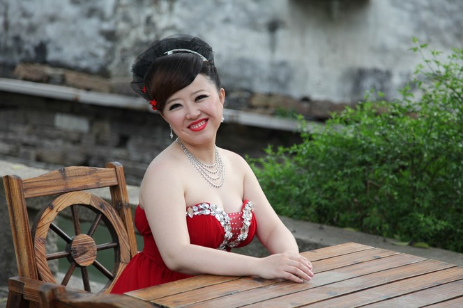 Newly wed Chinese couples love going to Suzhou