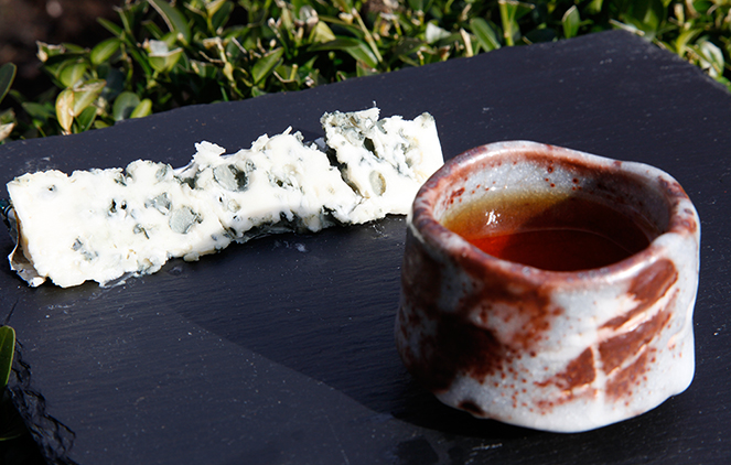 Tea and cheese pairing: Thé du Tigre and Roquefort