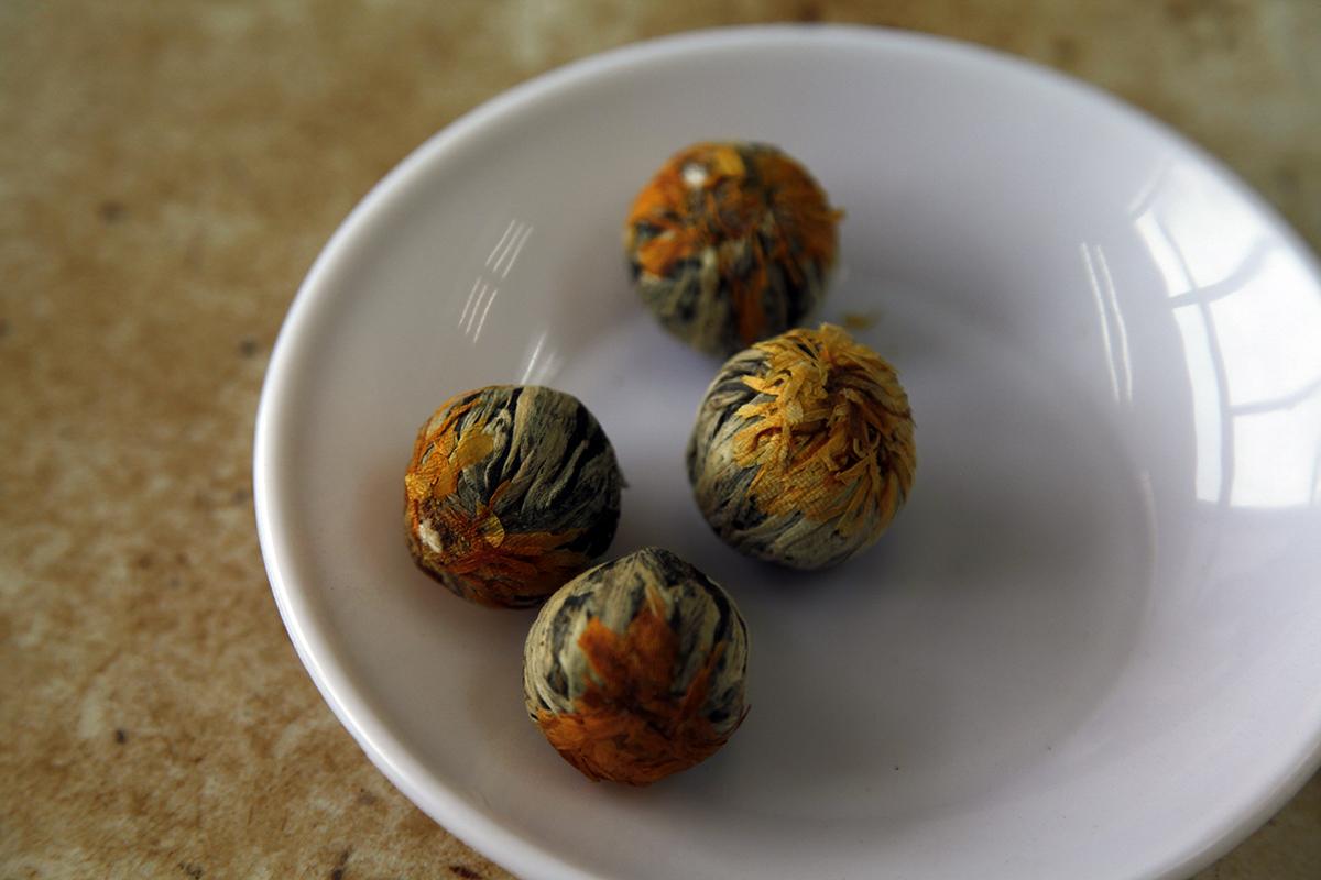 Balls of tea