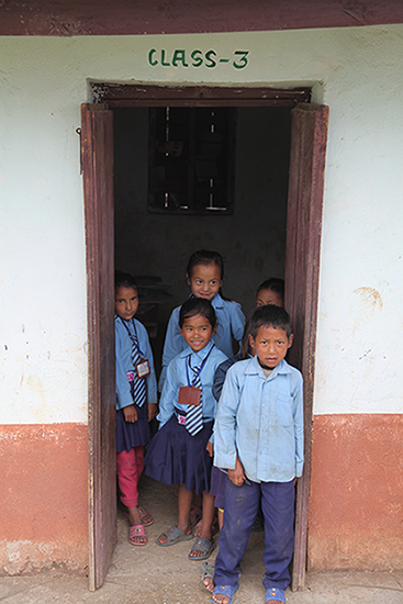 children at school - nepal tea plantation