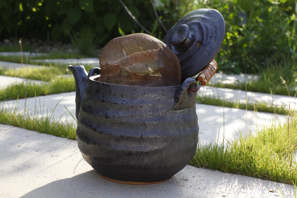 Your teapot needs to air too